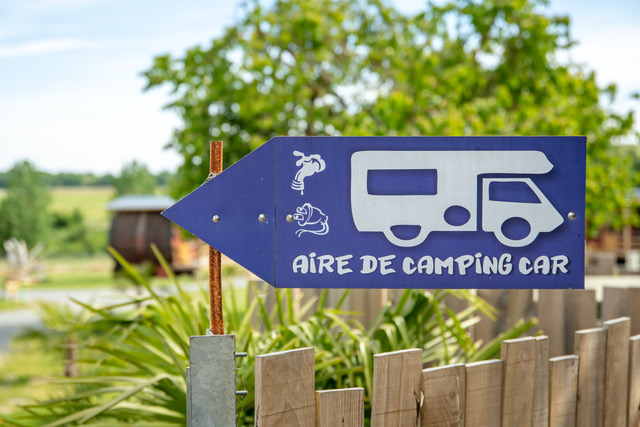 Aire camping-car à Vaudelnay (49260) - Photo 2